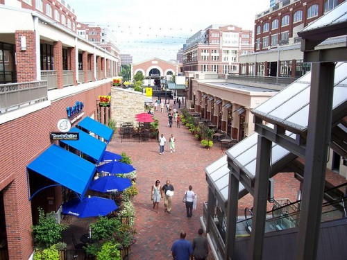 Atlantic_Station_courtyard
